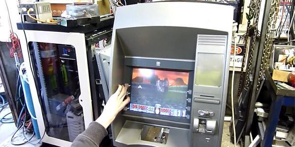 DOOM. Теперь и в банкоматах!