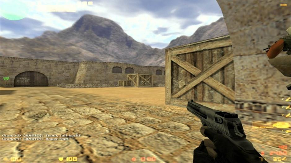 Выбор снаряжения при игре за спецназ в Counter-Strike 1.6